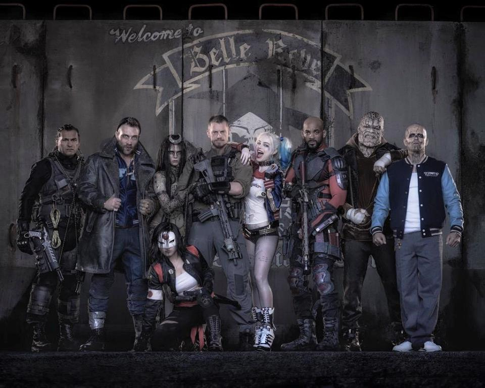 suicide-squad-assemble-first-official-cast-photo-margot-robbie-will-smith-first-official-trailer-released