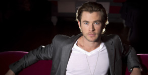 christ-hemsworth-joins-female-ghostbusters-movie-as-receptionist