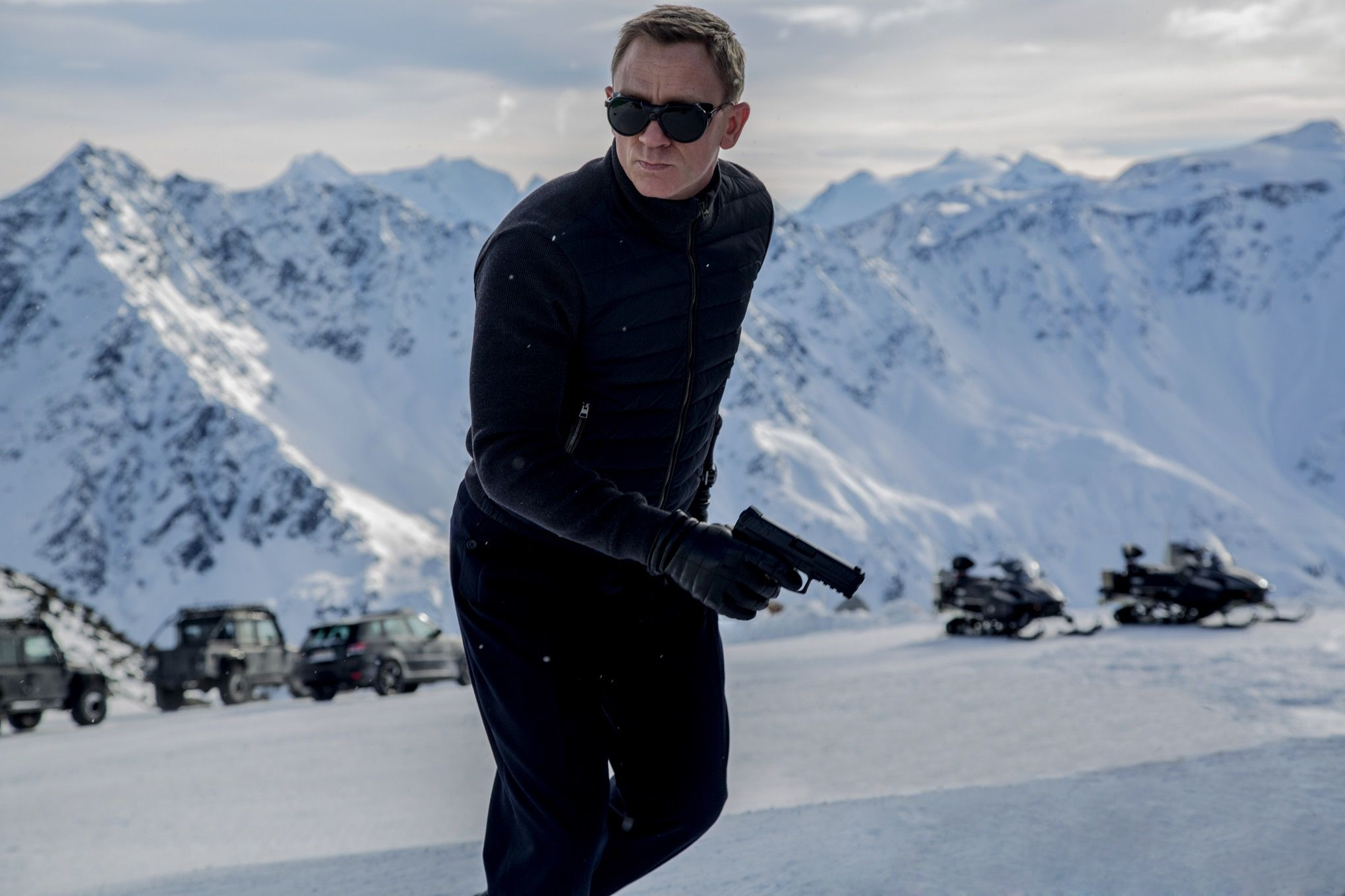 spectre-looms-best-james-bond-scenes